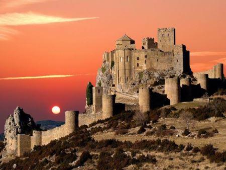 castillo de loarre arquitectura romanica